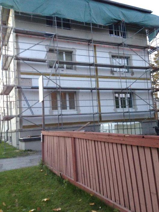 Maja fassaadi renoveerimine Viljandis.