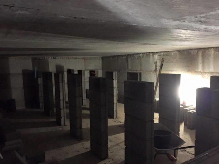 Viljandis Pärnu mnt hoone ladumine