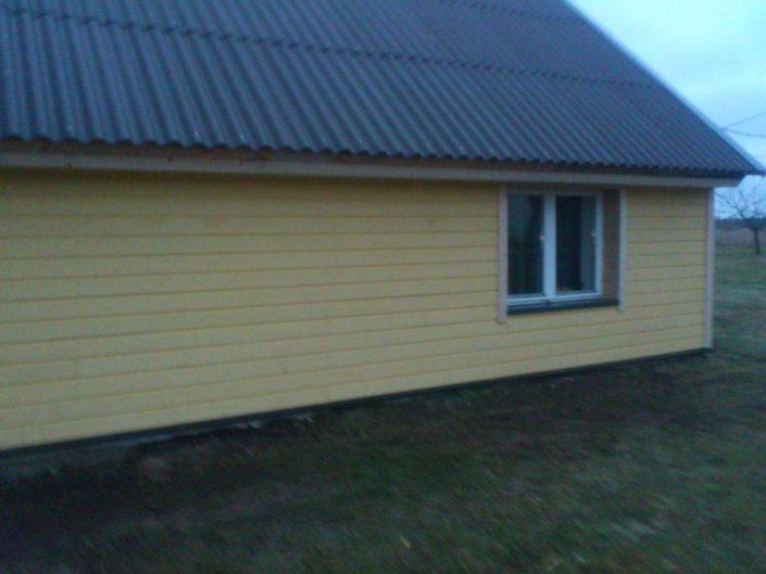 Maamaja fassaadi renoveerimine Viljandis.