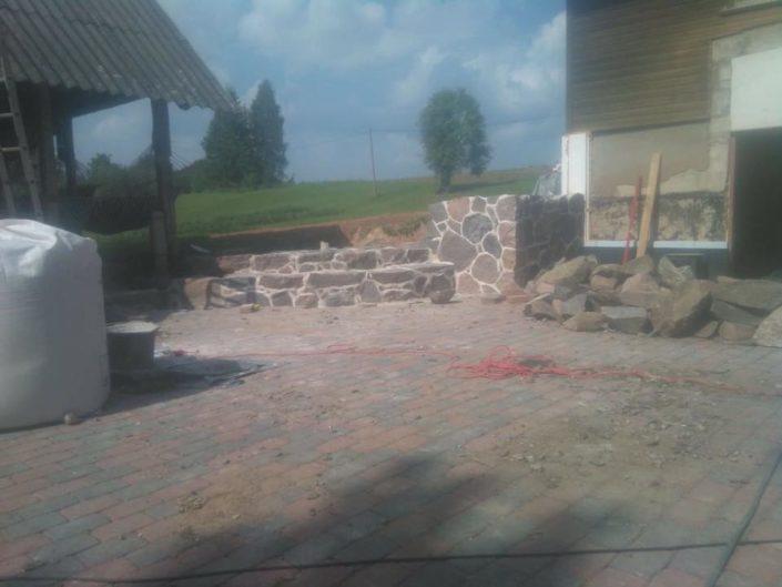 Maakivist müüri ja trepi ehitamine