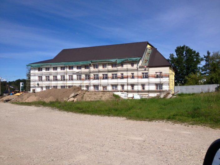 Viljandi Pärnu mnt kortermaja soojustamine.